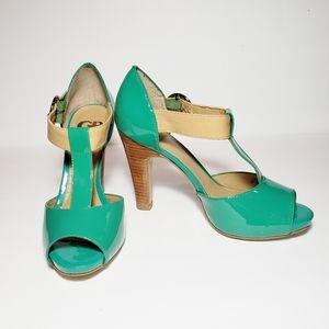 """Gianni Bini """"Watch Out"""" Green Leather Heels Size 6"""